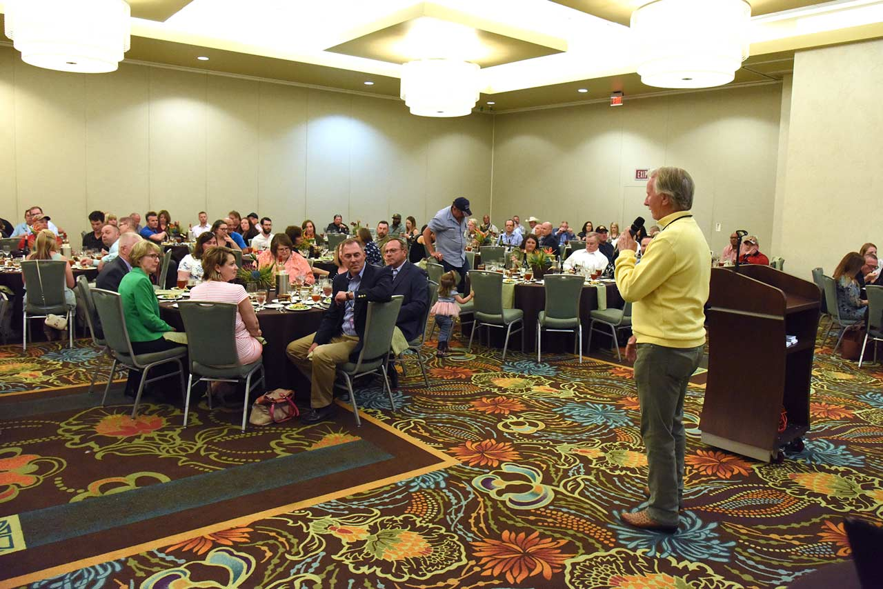 A Prime associate gives a speech at the instructor and training banquet.